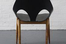 Krzesła, stoły, fotele