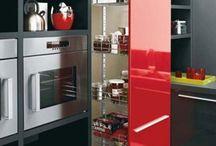 La nueva cocina / Me gusta la mesita auxiliar, es una idea
