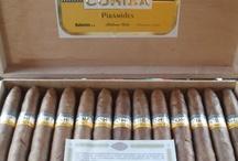 Cigarros y licores / Cigars, habanos,tabaco / by Hasan Diaz
