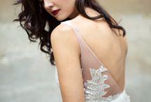 BACK LINE / Neck line of wedding dresses
