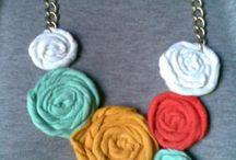 """Collares con Flores y Pulseras / by ♡""""Yeye""""♡"""
