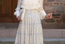 Wedding invitation outfit