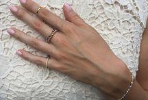 Get an elastic ring! / Poznaj delikatne ręcznie robione pierścionki elastyczne wykonane z malutkich kuleczek z kamieni naturalnych oraz ze srebra i złoceniem GF! Zakochaj się w nowych możliwościach, jakie daje łączenie ze sobą różnych pierścionków!