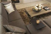 projekt livingroom / na zdjeciu glownym znajduje sie ogolny plan salonu,w pozostalej grafice zastosowano zamienniki pasujace do wlasnych  upodoban tj. naroznik,stolik kawowy,kolorystyka oraz szafka rtv