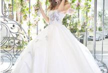 Bridal Sale / Huge bridal sale $600-$1100 OFF!! Floor stock must go!