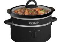 Crock Pot Slowcookers / Al sinds 1971 loopt Crock-Pot voorop in slowcooking; de ideale manier om op een eenvoudige wijze heerlijke en voedzame maaltijden te bereiden. Met de Crock-Pot slowcooker worden de ingrediënten omsloten door warmte en langzaam tot tongstrelende gerechten bereid. Doe de ingrediënten in de Crock-Pot, zet deze aan en geniet van je dag. Bij thuiskomst staat een heerlijke, voedzame en gezonde maaltijd klaar.