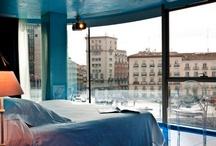 Habitaciones Hotel Santo Domingo - Madrid / Una playa, un acuario, habitaciones con vistas al jardín colgante más grande del mundo, habitaciones con vistas a la Plaza de Santo Domingo, una habitación oriental. Si quieres visitar Madrid, quédate con todo, quédate con Hotel Santo Domingo.