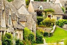 cottages Costwolds England