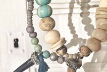 COLLARES / Necklace collares