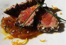 tonno marinato con cipolle caramellato