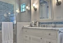 French Bistro Style Bathrooms / Bathrooms with French bistro-style accents