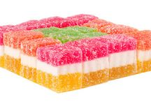 Gelatin Expertise / HALAL GELATINE has no flavor of its own and contains no sugar, unlike many flavored gelatines which contain mostly sugar as well as artificial flavors and colors