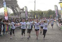 C'était la Color Run à Paris... / Dimanche 13 avril, le centre de Paris a pris de drôles de couleurs lors de la première édition parisienne de la fameuse Color Run.