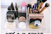 Organize cosmetics
