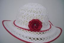 klobuky , čiapky