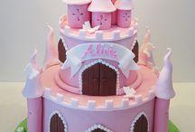 2 Novelty Cakes - Girls / Girly cakes