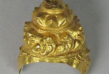 Aneka ragam perhiasan