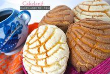 Pan dulce (sweet bread) / Cakeland Bakery
