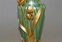 Secesné vázy s kovovou montážou