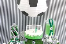 Soccer Birthday Party / Ideas for a soccer birthday party including decorations, dessert, cake, goodie bags and activities