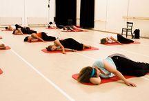 Feldenkrais Shoulder Exercises / Feldenkrais shoulder exercises, Spine integration exercises - Approach to shoulder flexibility.