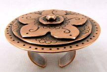 Handmade Fabulosity / Handmade wonders from all four, um, corners of the interwebz. / by Kitty Ballistic