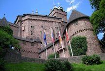 10 châteaux à visiter en Alsace / L'Alsace est une région au patrimoine riche et varié. De nombreux peuples y ont laissé leurs traces, et on peut voir aujourd'hui les vestiges de leur passage. Beaucoup de châteaux sont encore visibles et peuvent être visités. Souvent en ruines, parfois rénovés, les châteaux alsaciens sont toujours l'occasion d'une promenade, avec souvent une vue imprenable sur les vallées ou plaines de la région.