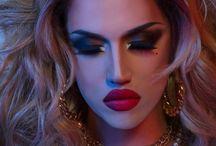 Drag Queen wonderful make up