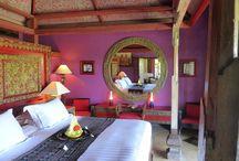 Interiores violetas / Pintura y decoración de interiores en tonos violetas, morados y lavandas