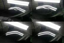 Paintles-dent-repair PDR / TECHNOLÓGIA PDR spočíva v postupnom vytláčaní preliačin profesionálnym náradím z vnútornej strany. Ak zospodu nie je priestor pre náradie (výstuhy, dvojitý plech a podobne), preliačiny sa opravujú vyťahovaním pomocou špeciálneho lepidla. Vďaka tomu je možné odstraňovať drobné preliačiny na karosériách motorových vozidiel bez toho, aby bolo opravené miesto bolo nutné znovu tmeliť, brúsiť či lakovať.  KONTAKT: +421948878515 E-MAIL: Profi.PDR@gmail.com