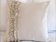 Cute Pillows / by Kim Schmidt