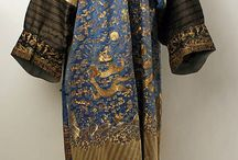 Qing Dynasty Clothing (1636 - 1912) / The clothes, jewelry, and shoes worn by women and men in the Qing dynasty for various occasions, with a main focus on 19th century garments.