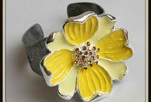 Crafts:  Jewelry ideas and tutorials / by Judianne Graham