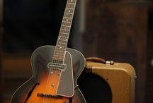 Gibson Hollowbody / Gibson Hollow/Semi Hollow body Electric Guitars