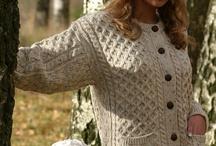 Ladies Irish Sweaters & Aran Knits / Full range of ladies Irish sweaters & Aran knits from the Aran Sweater Market