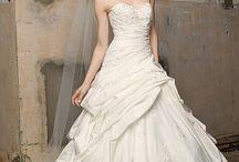 Wedding Ideas! / by Tiffany Tilley
