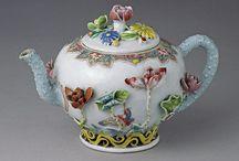 Teapots / Antique teapots