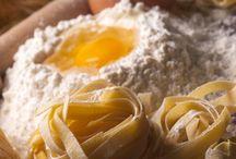 Grundrezepte / Grundrezepte bilden die Basis für verschiedene Speisen. Meisten werden die Grundrezepte verfeinert und zu persönlichen Rezeptkreationen weiterverarbeitet.