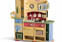 Little Tikes Kitchen / Little Tikes Kitchen sets and play kitchen ideas for preschoolers and young children.