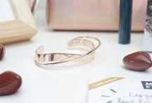 { jewels } / Bijoux, bagues, colliers, bracelets, boucles d'oreilles, Charms, Montres, broches....