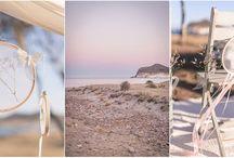 Hochzeit - Playa de Los Genoveses / Ich liebe diese Ruhe vorher...Dieser Moment bevor das Brautpaar den Platz mit seiner Anwesenheit schmückt, dann wird aus jedem Fleck Erde etwas kostbares, weil das Brautpaar und ihre Liebe das Ganze so besonders machen.