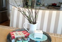 Decorating / Decorating, centrepiece, table runner, flowers, vases, jugs, candles,