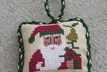 pinkeep and pillow cross stitch / by Tulimiero Laura