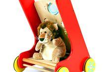 Primi Passi / Carrellini, tricicli e primi passi in legno, per aiutare i bambini a scoprire la prorpia motricita'