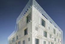 Arquitectura / Pieles / Arquitectura, diseño de fachadas con doble piel, cenefas, filtro de luz, materiales