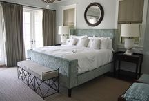 Master Bedroom Makeover / Because I want to get red of the gold and red bedroom decor, why else? Can someone just pay for me to do all this? Tips, products and ideas for redecorating Master Bedrooms.