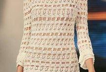 Связанные крючком платья