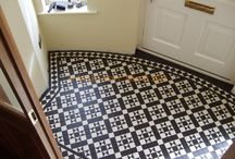 Victorian Floor Tiles / Sometimes simple black & white is all you need. Love these looks!