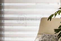 SÁVROLÓ - belső árnyékoló / A sávroló egyediségét a textilek felületén lévő sötétítő és fényáteresztő csíkok váltakozása nyújtja, így a két egymást követő sáv segítségével szabályozhatjuk a beáramló fény mennyiségét és az átláthatóságot. Ha kedvünk tartja, akár teljesen betekerhetjük a textilt a tokba. Bármely stílusvilágú otthon és munkahely tökéletes kiegészítőjévé válik.  Előszeretettel alkalmazzák a minimalista dizájnt megjelenítő enteriőrben.