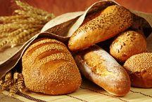 """Ondan vazgeçemiyoruz! / Türkler, yurt dışı seyahatlerinde en çok yemeklerin yanında """"ekmek"""" yemeyi özlüyor. http://www.sofra.com.tr/Blog/Blog/2014/09/30/turkler-yurtdisi-seyahatlerinde-en-cok-ekmegi-ozluyor"""
